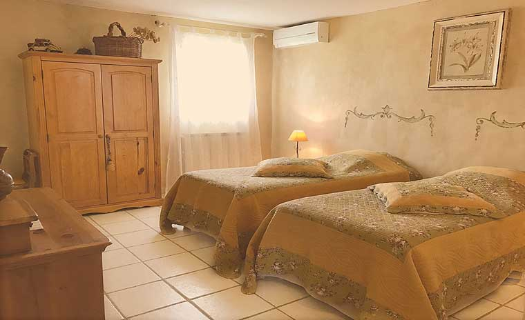 Bed breakfast Luberon - Mas Jorel - Bed and breakfast in the Luberon ...